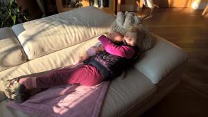 Spánek a fotoléčba - lék na chřipku s dvojím účinkem. Foto: Sláma v botách