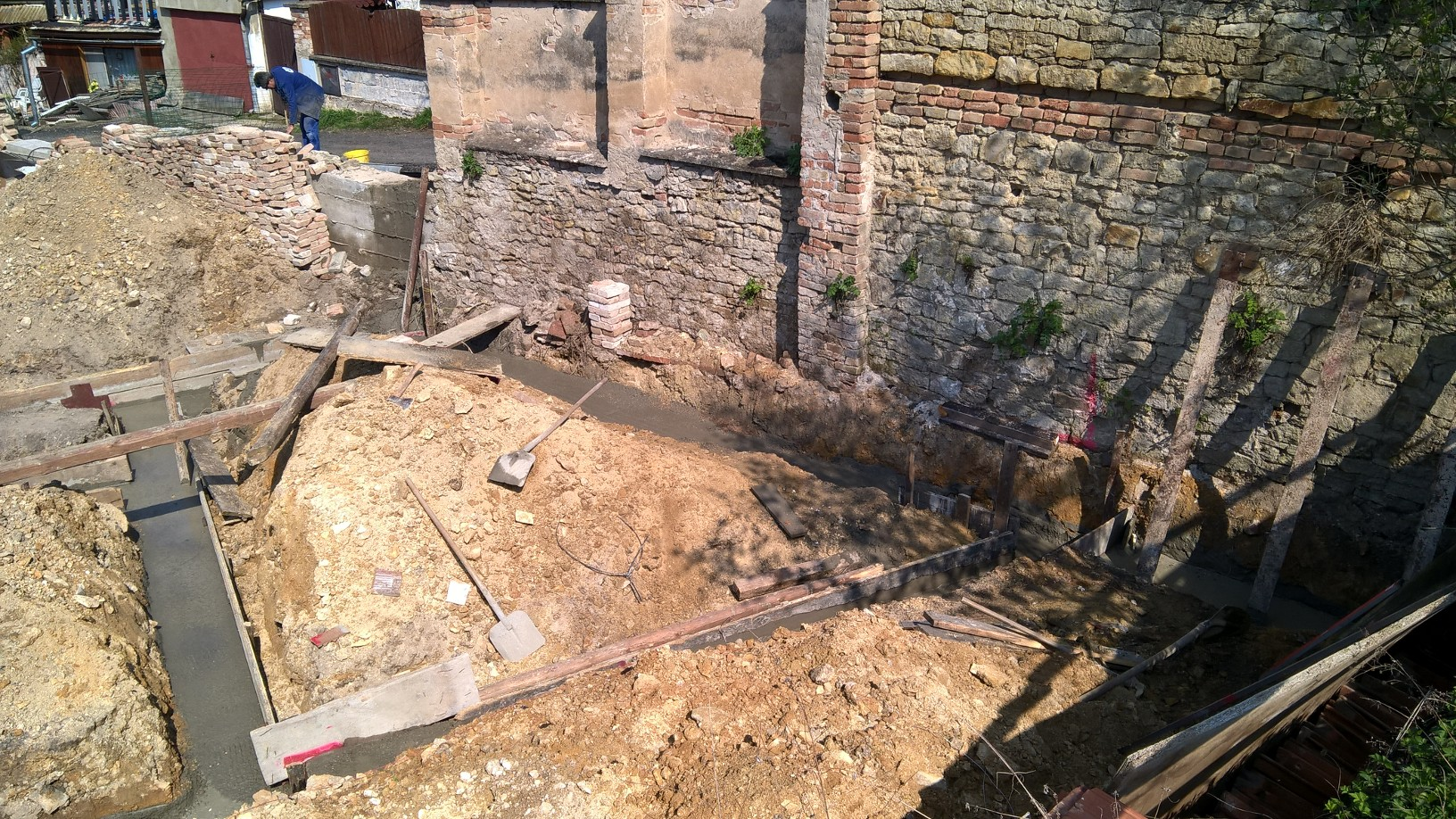 Spolek nadsencu pro rekonstrukce zakopovych bitev prvni svetove valky. Foto: Sláma v botách